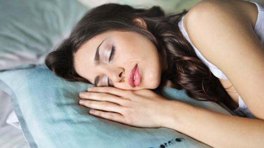 SchlafendeFrau_3