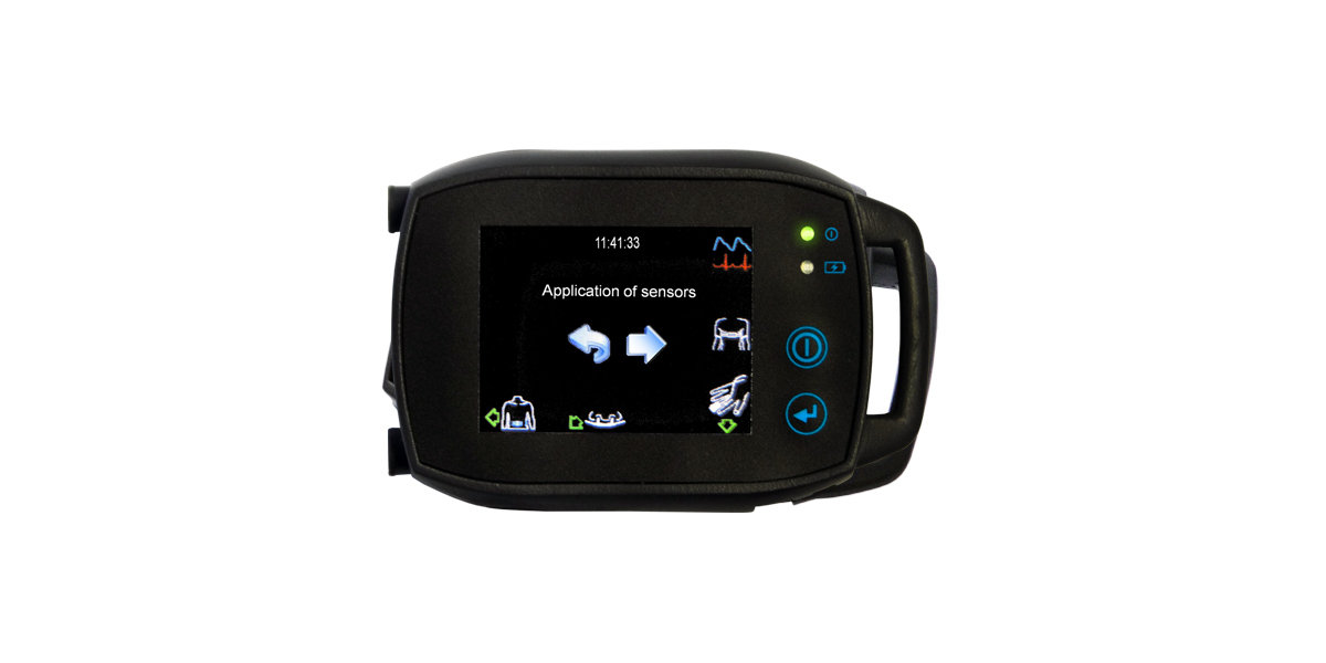 A SOMNOtouch small PG PSG sleep diagnostic device with the screen showing which sensors are connected. You no longer need to use montages to tell the device which sensors are connected. Just plug and go.