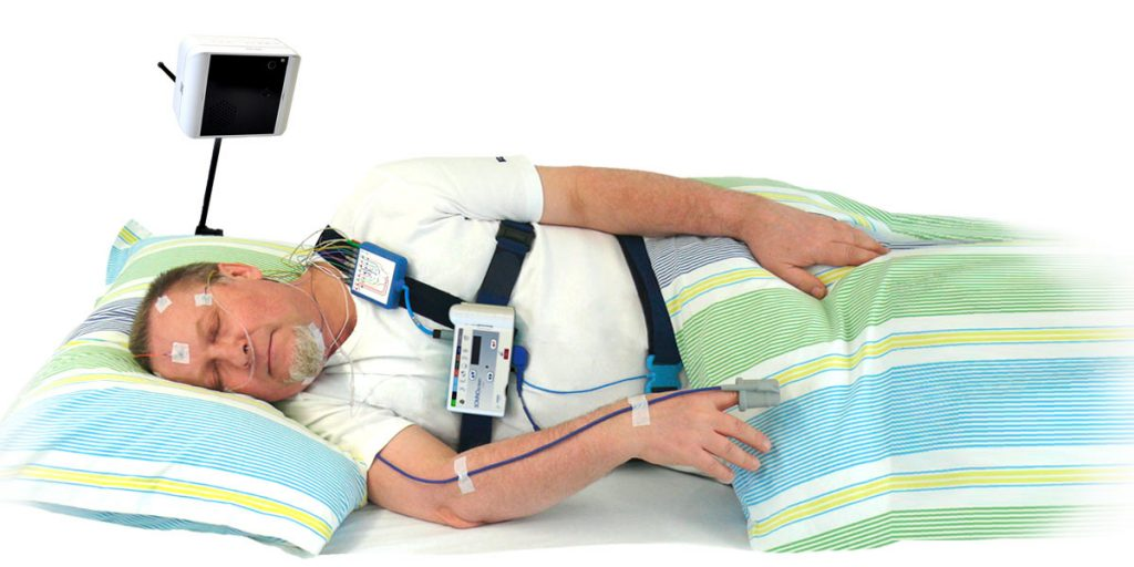 An example of a patient wearing the compact and robust SOMNOscreen Plu